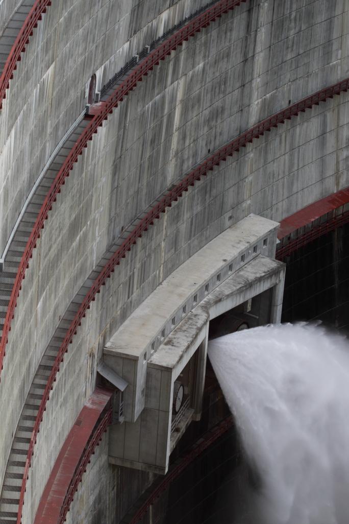 Dam_178_houhei_05
